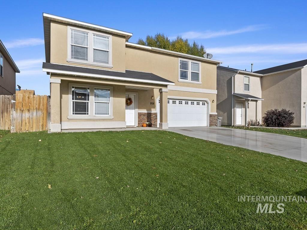 Photo of 208 Parkland Way, Caldwell, ID 83605 (MLS # 98822625)