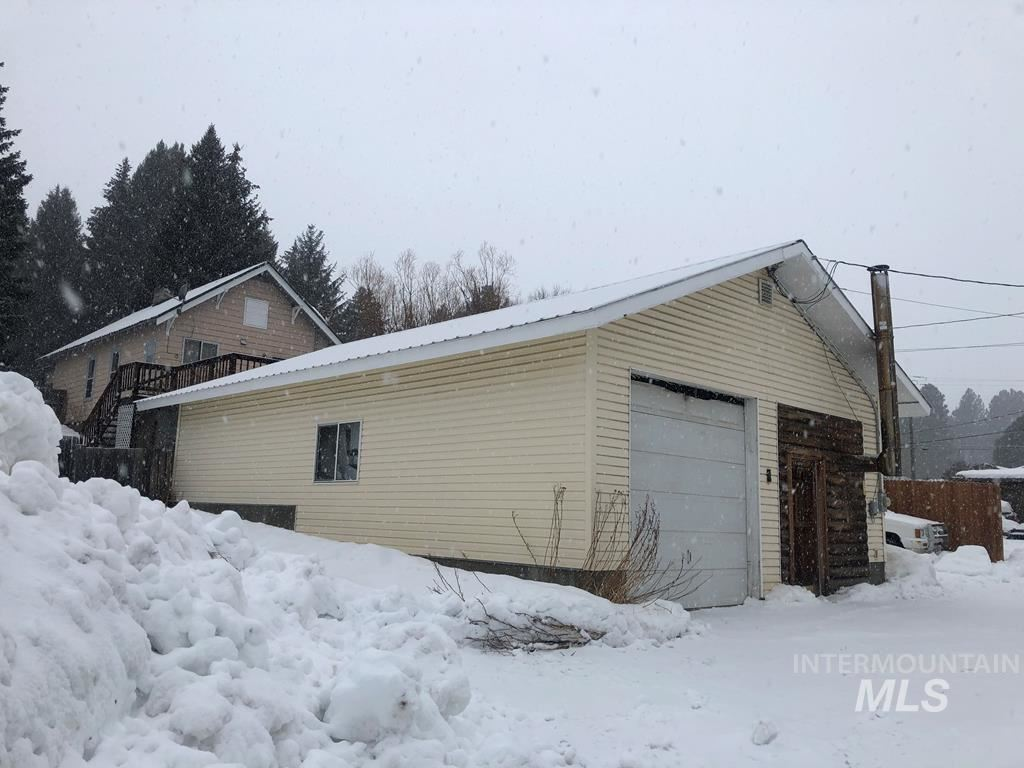 Photo of 308 N Van Wyck Ave, Cascade, ID 83611 (MLS # 98791628)