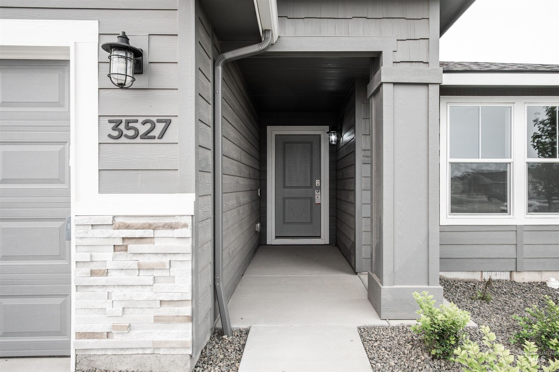 Photo of 3527 W Remembrance Dr, Meridian, ID 83642 (MLS # 98811633)