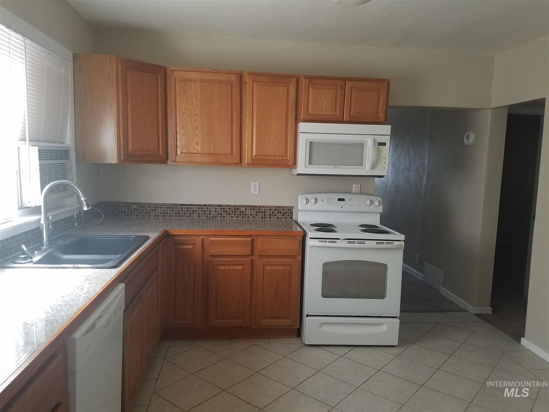 Photo of 126 11 th Avenue W, Gooding, ID 83330 (MLS # 98776640)