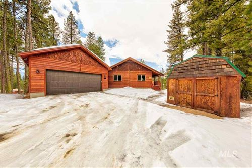 Photo of 421 Whispering Timbers, Cascade, ID 83611 (MLS # 98761645)