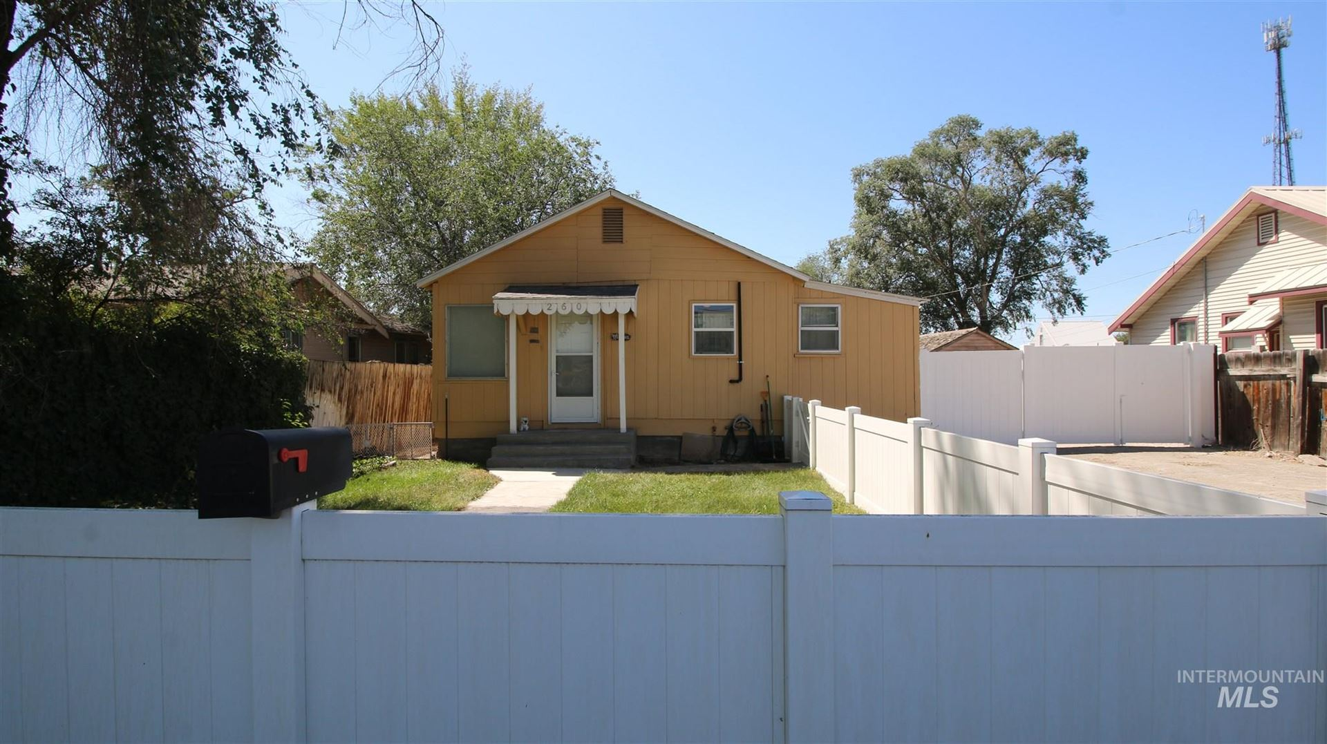 Photo of 260 Blue Lakes Blvd South, Twin Falls, ID 83301 (MLS # 98776646)