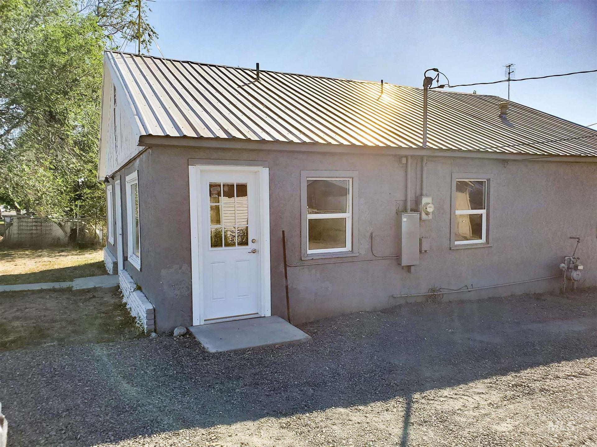 Photo of 714 Linden Street, Buhl, ID 83316 (MLS # 98772650)