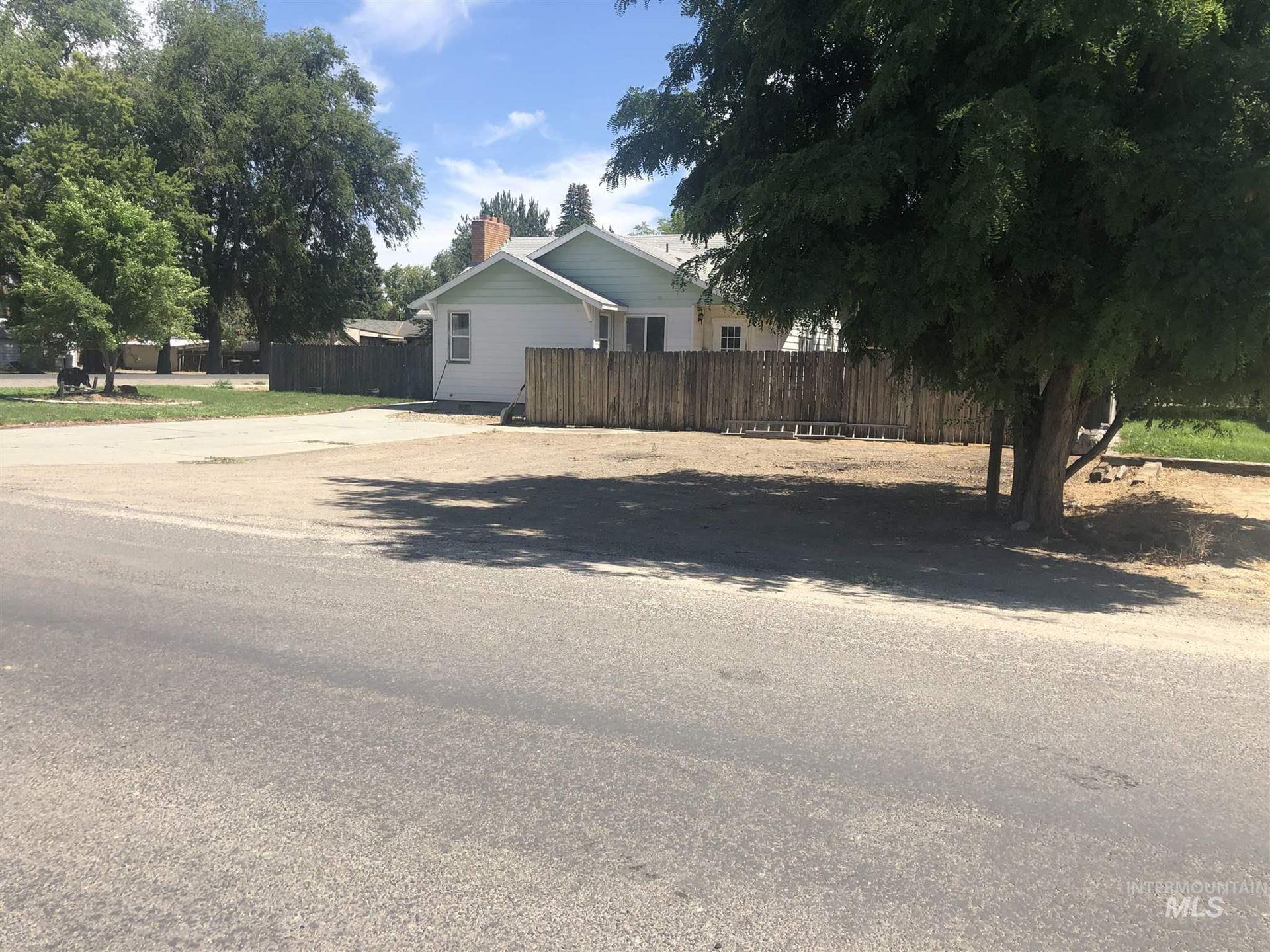 Photo of 706 Utah St, Gooding, ID 83330 (MLS # 98776654)