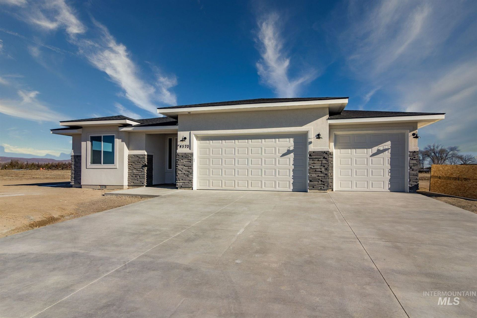 Photo of 4570 Purple Sage Cir, Mountain Home, ID 83647 (MLS # 98787660)