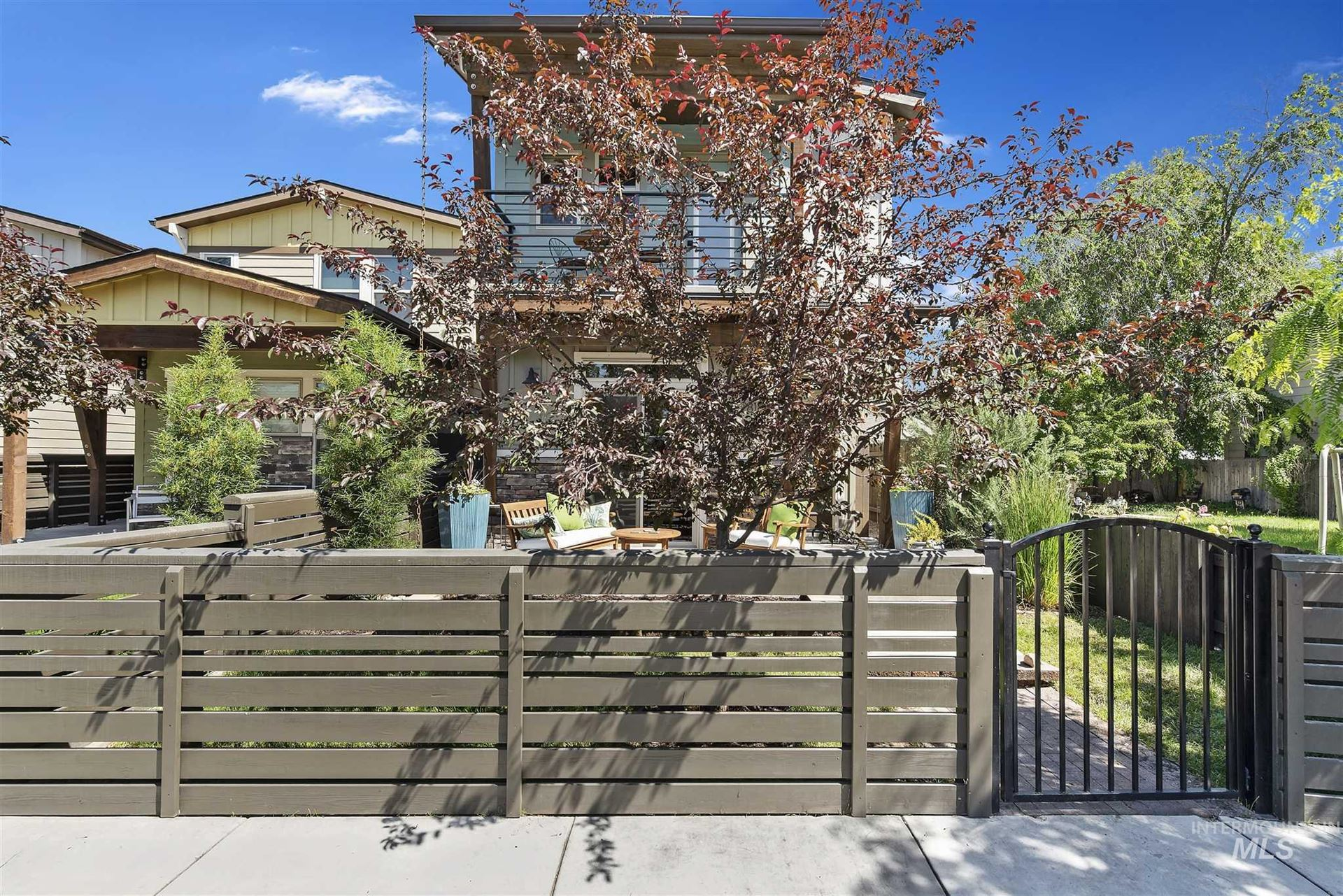 Photo of 2818 W Madison Ave, Boise, ID 83702 (MLS # 98768662)