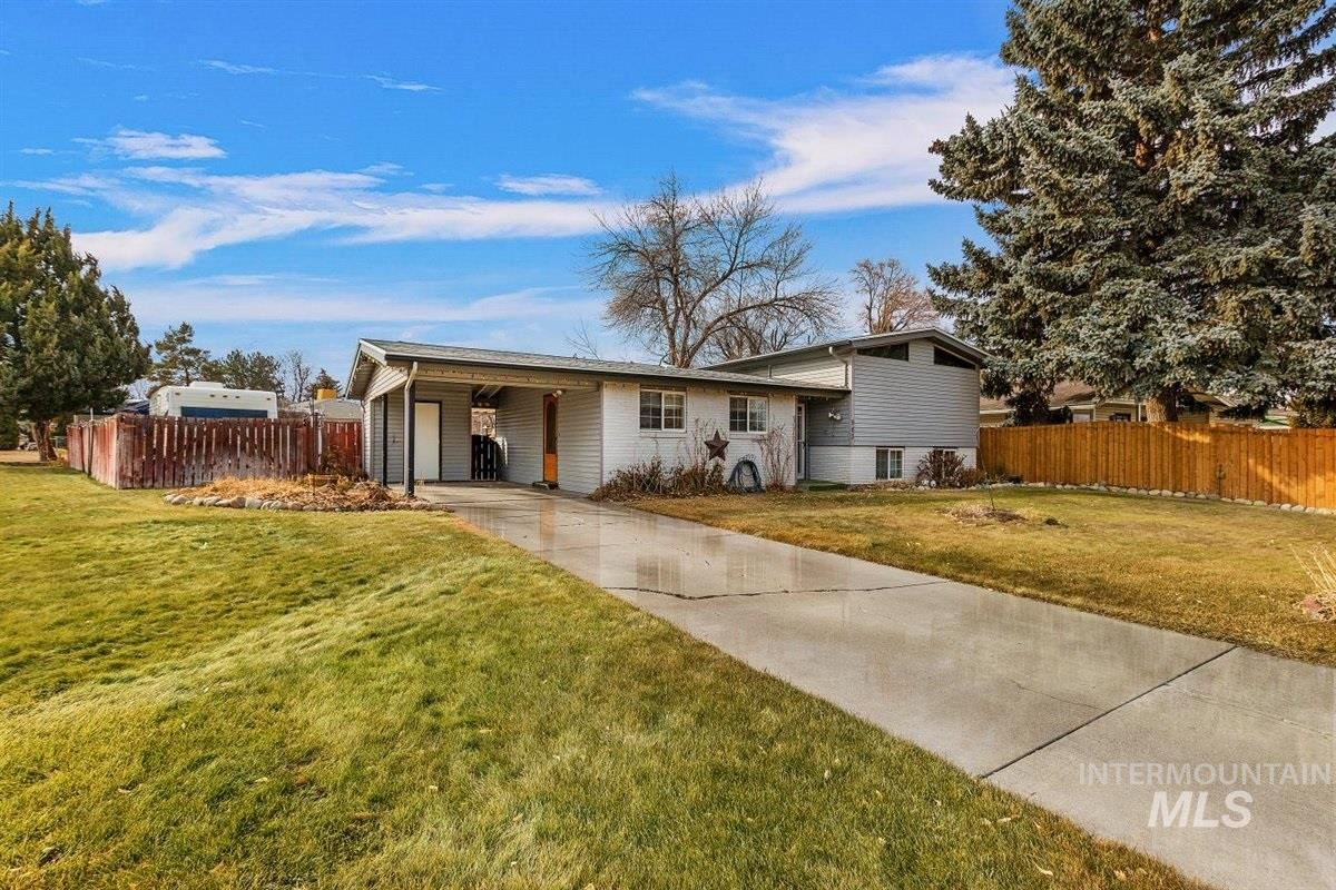 Photo of 963 Del Mar, Twin Falls, ID 83301 (MLS # 98791663)