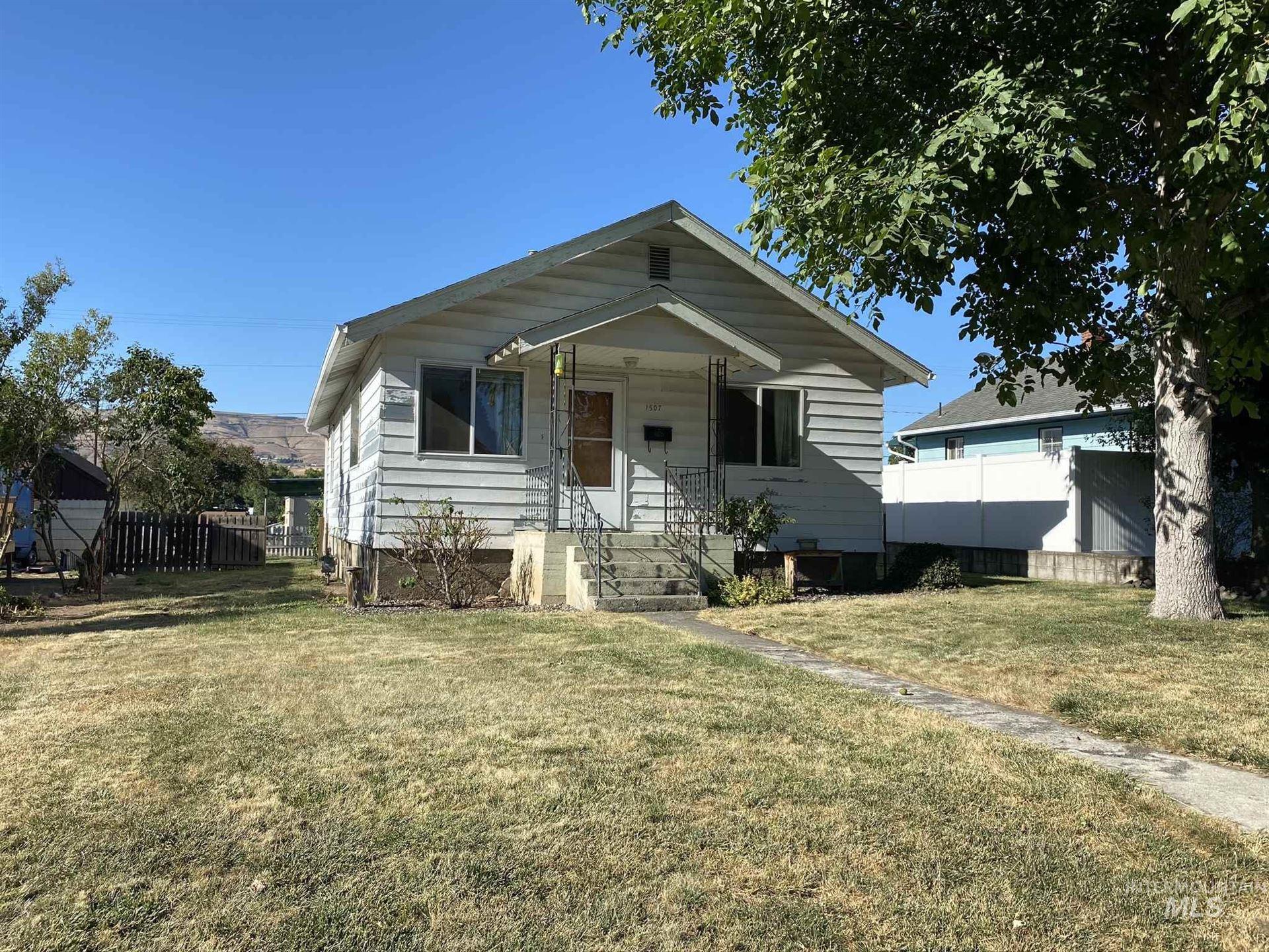 Photo of 1507 13th Avenue, Lewiston, ID 83501 (MLS # 98776667)