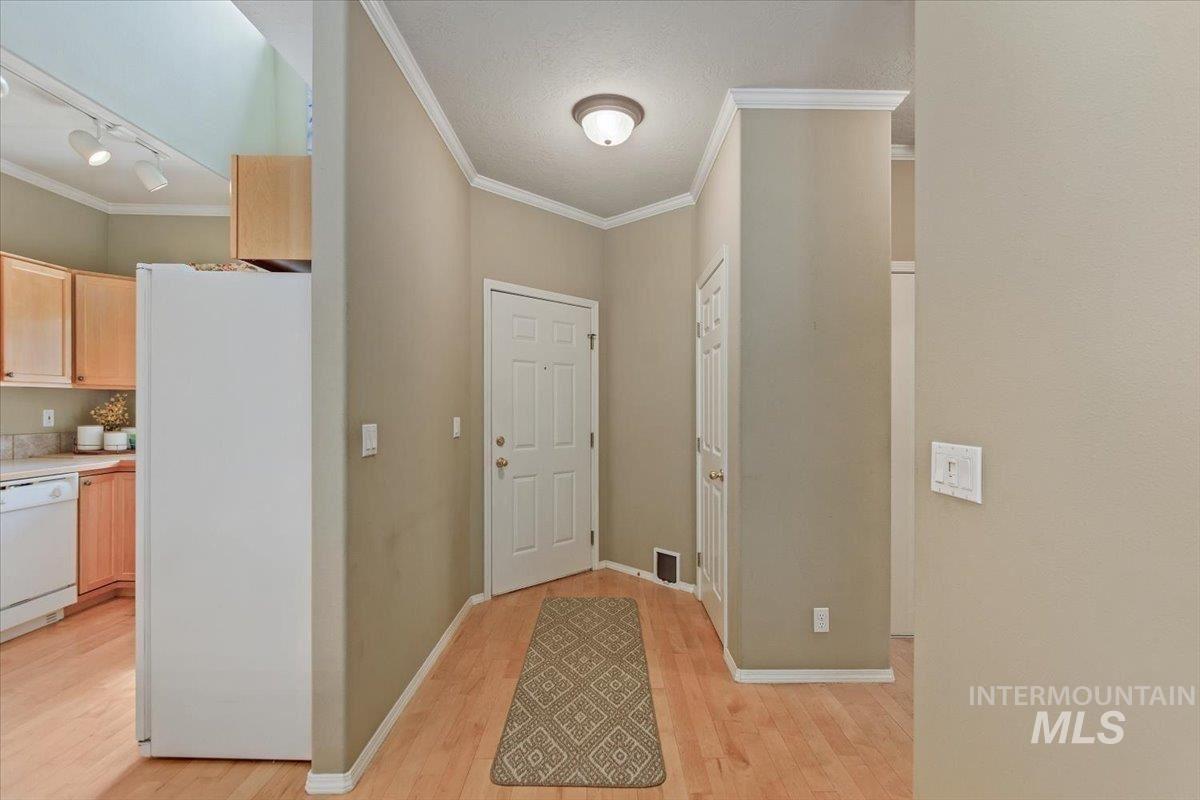 Photo of 9160 W Tudor Ct., Boise, ID 83704 (MLS # 98806669)