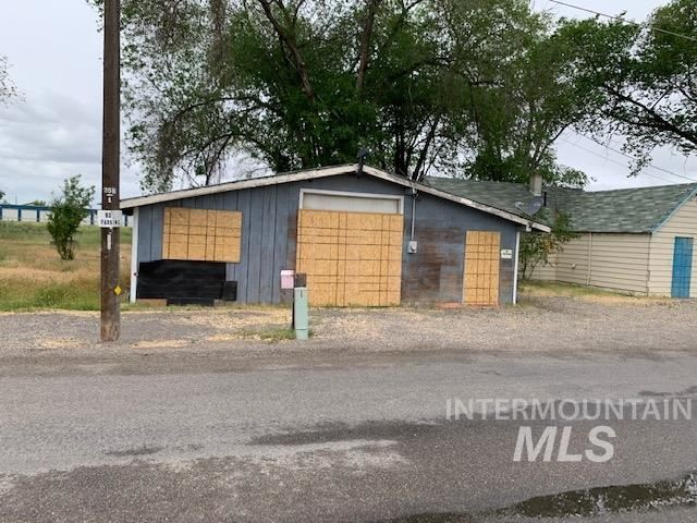 Photo of 1430 SE 5th Ave, Ontario, OR 97914 (MLS # 98766677)