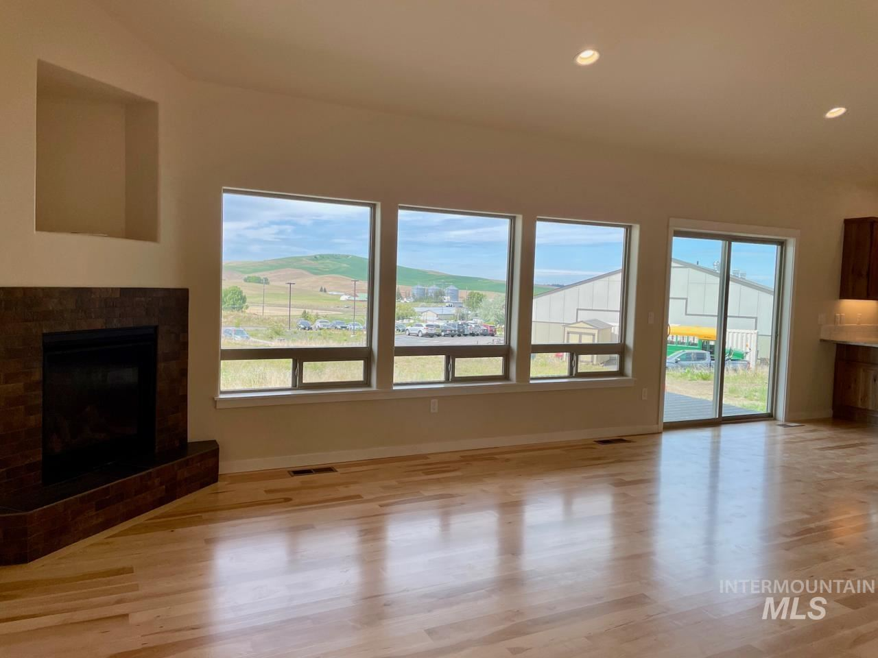 Photo of 445 Southview, Moscow, ID 83843 (MLS # 98790678)