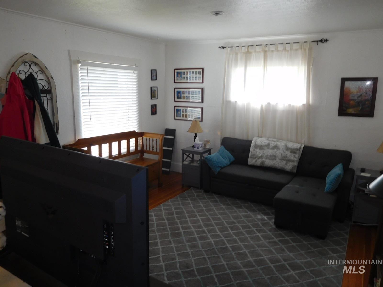 Photo of 220 12th St, Pomeroy, WA 99347 (MLS # 98799681)