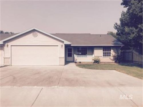 Photo of 3106 Airport Avenue, Caldwell, ID 83605 (MLS # 98751682)