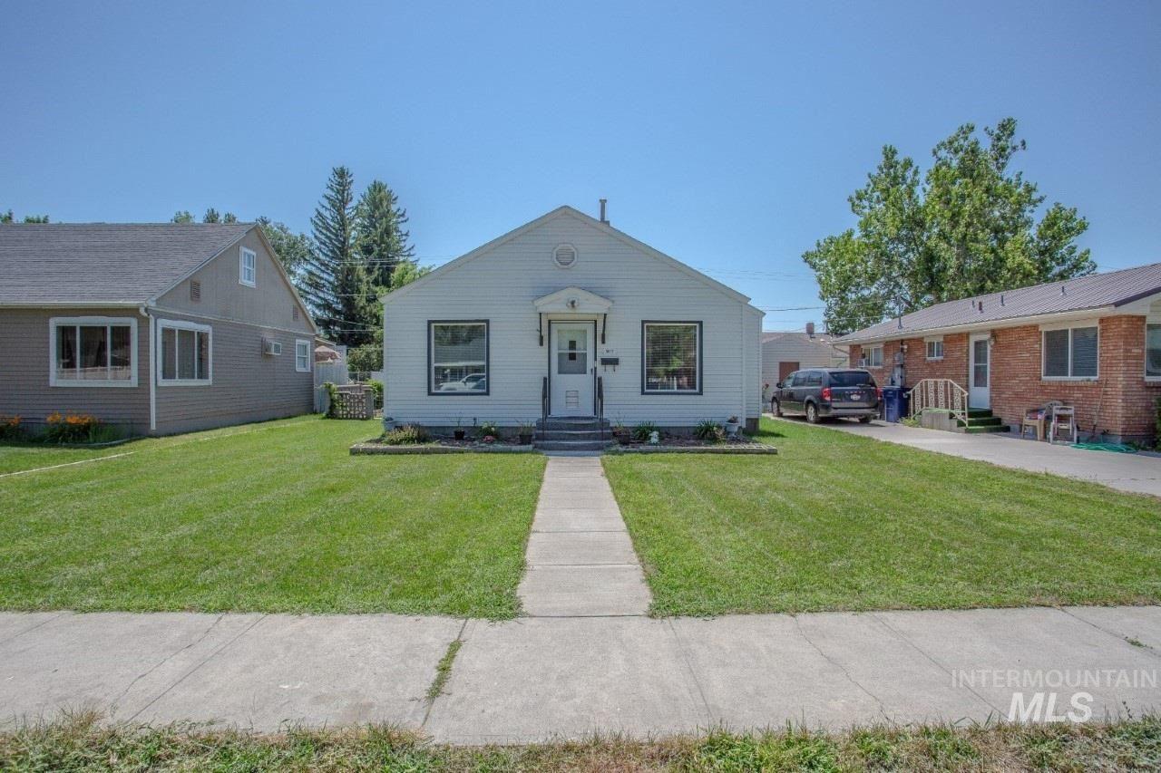 Photo of 917 9th Street, Rupert, ID 83350 (MLS # 98775689)
