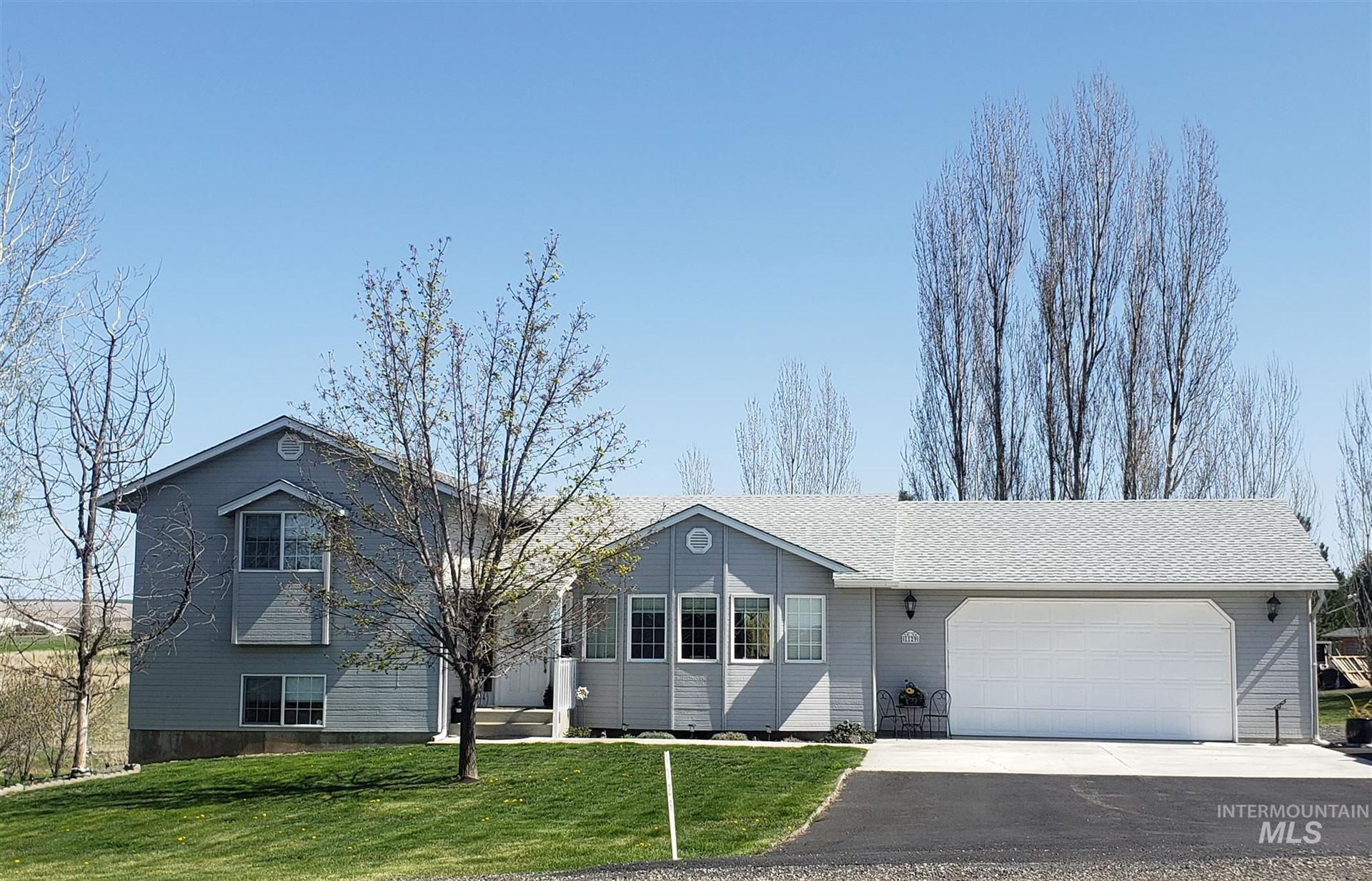 Photo of 1129 Big Horn Dr, Lewiston, ID 83501 (MLS # 98798690)