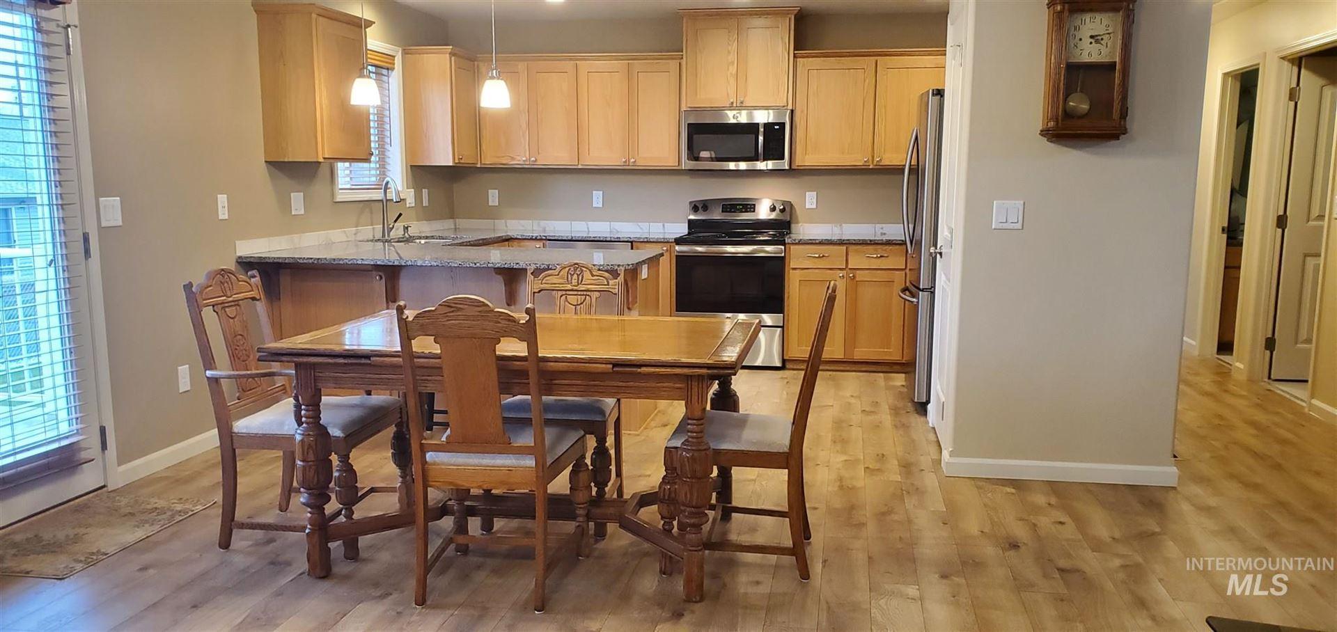 Photo of 1335 Maple Street, Clarkston, WA 99403 (MLS # 98798697)