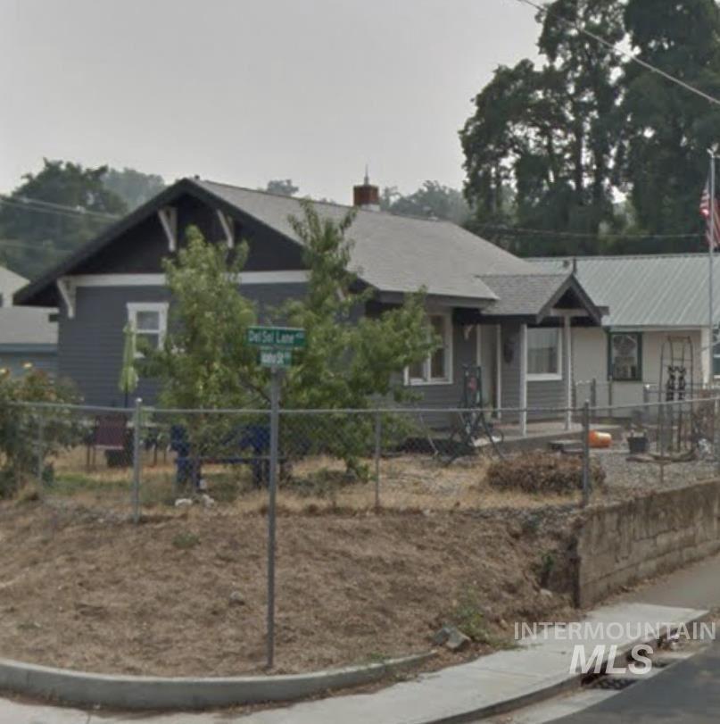 Photo of 411 Del Sol Lane, Lewiston, ID 83501 (MLS # 98805711)