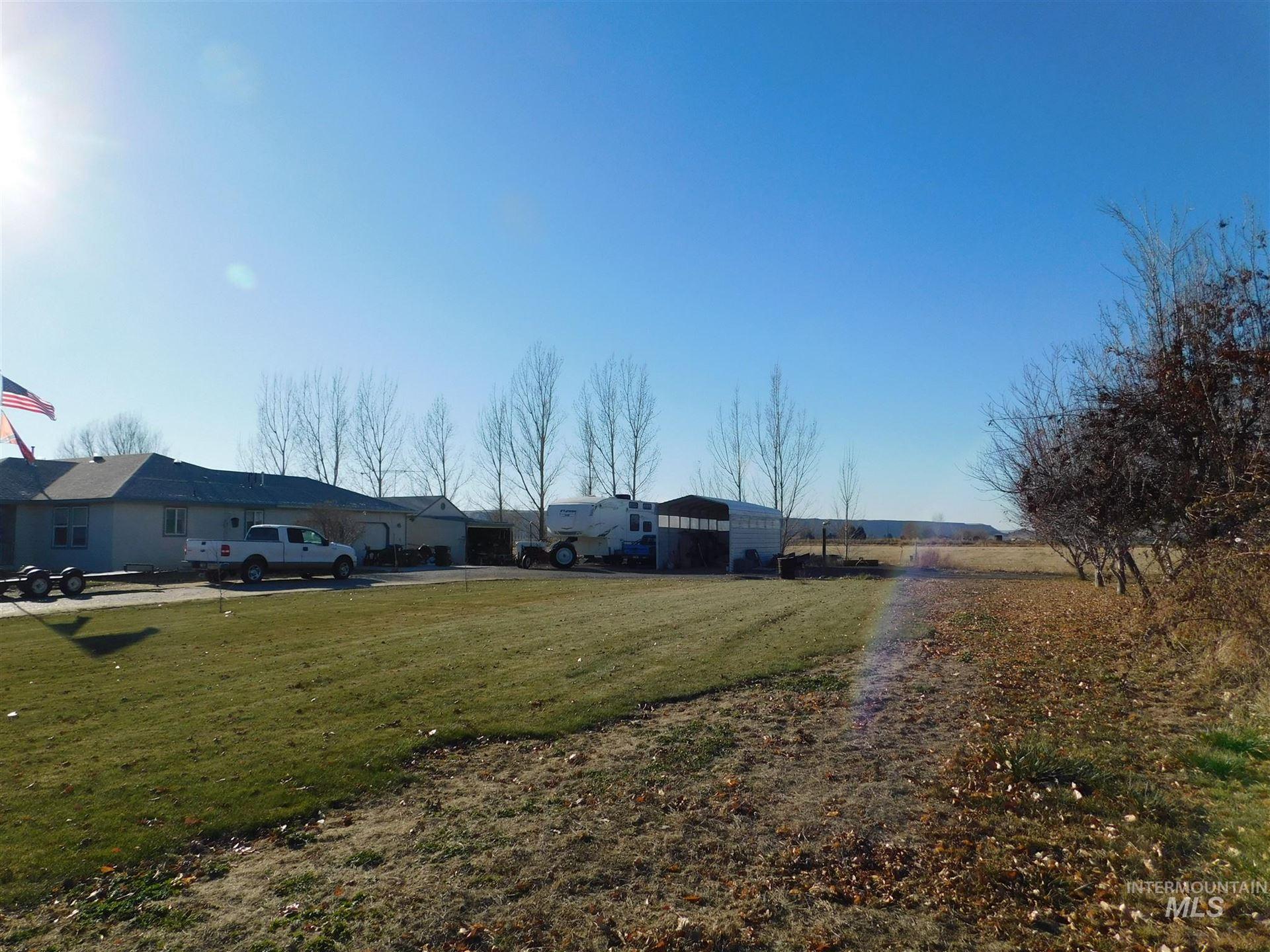 Photo of 821 S Jade Way, Hammett, ID 83627 (MLS # 98786712)