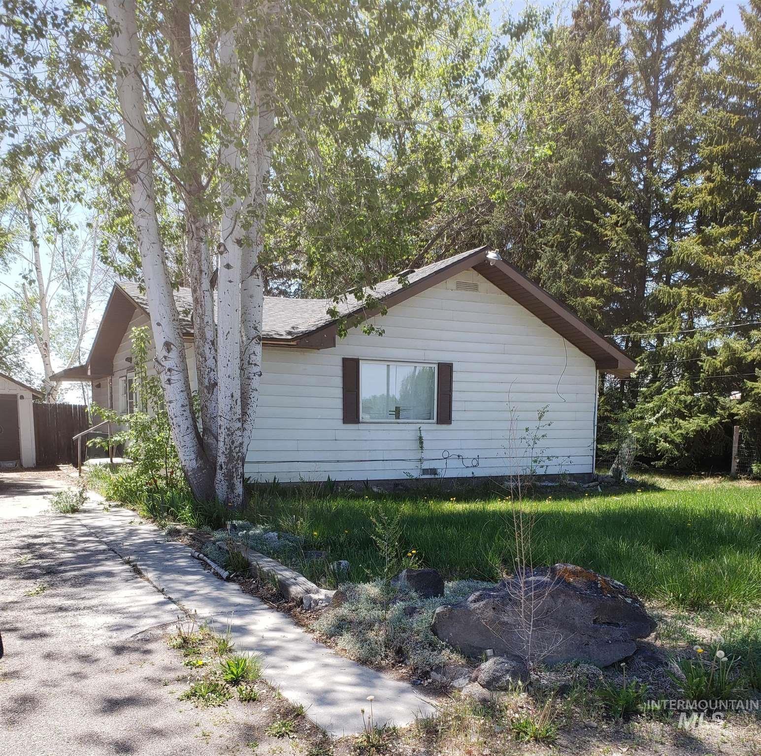 Photo of 605 E 3rd Street, Rupert, ID 83350 (MLS # 98803714)