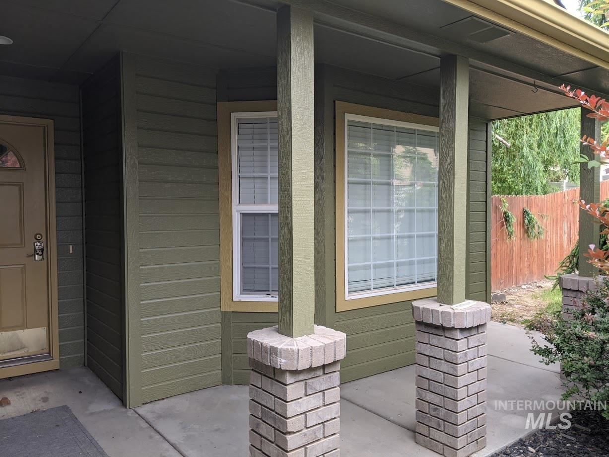Photo of 525 Crosspoint Ave., Nampa, ID 83686 (MLS # 98768715)