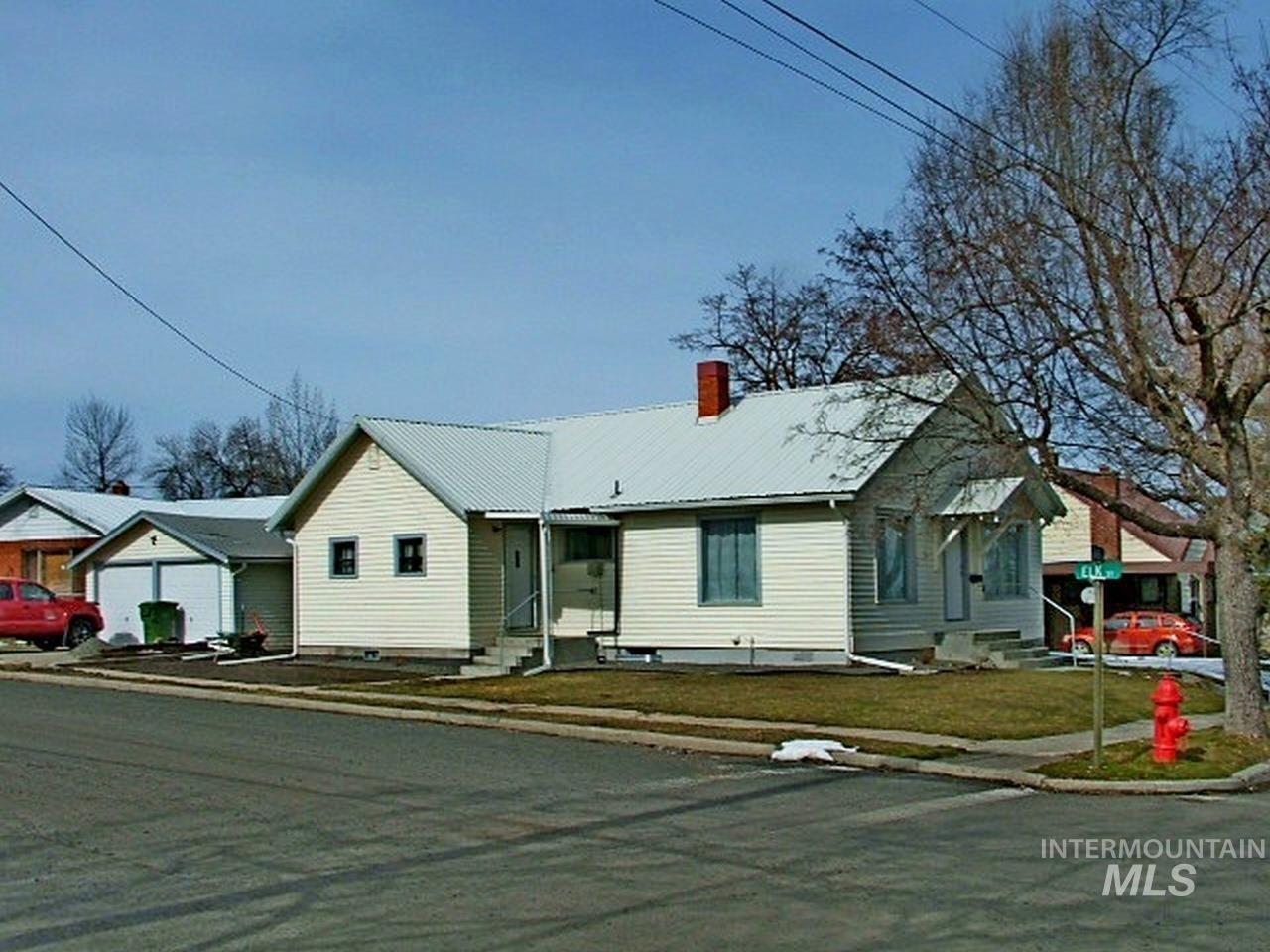Photo of 518 S Idaho Avenue, Grangeville, ID 83530 (MLS # 98813716)