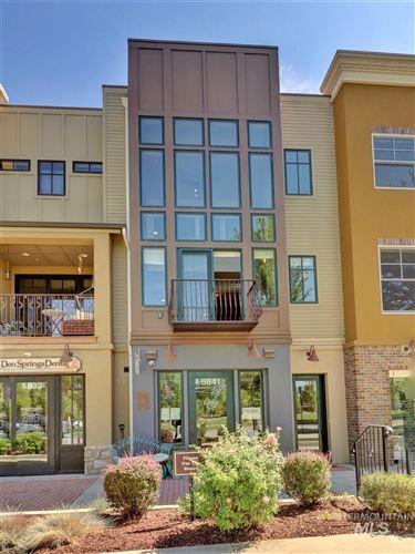 Photo of 5843 W Hidden Springs Drive, Boise, ID 83714 (MLS # 98776725)