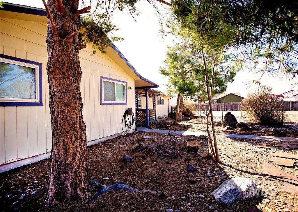 Photo of 434 NW BIRCH AVE, Mountain Home, ID 83647 (MLS # 98798731)