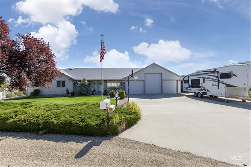 Photo of 25574 Sand Trap Dr, Caldwell, ID 83607 (MLS # 98802733)