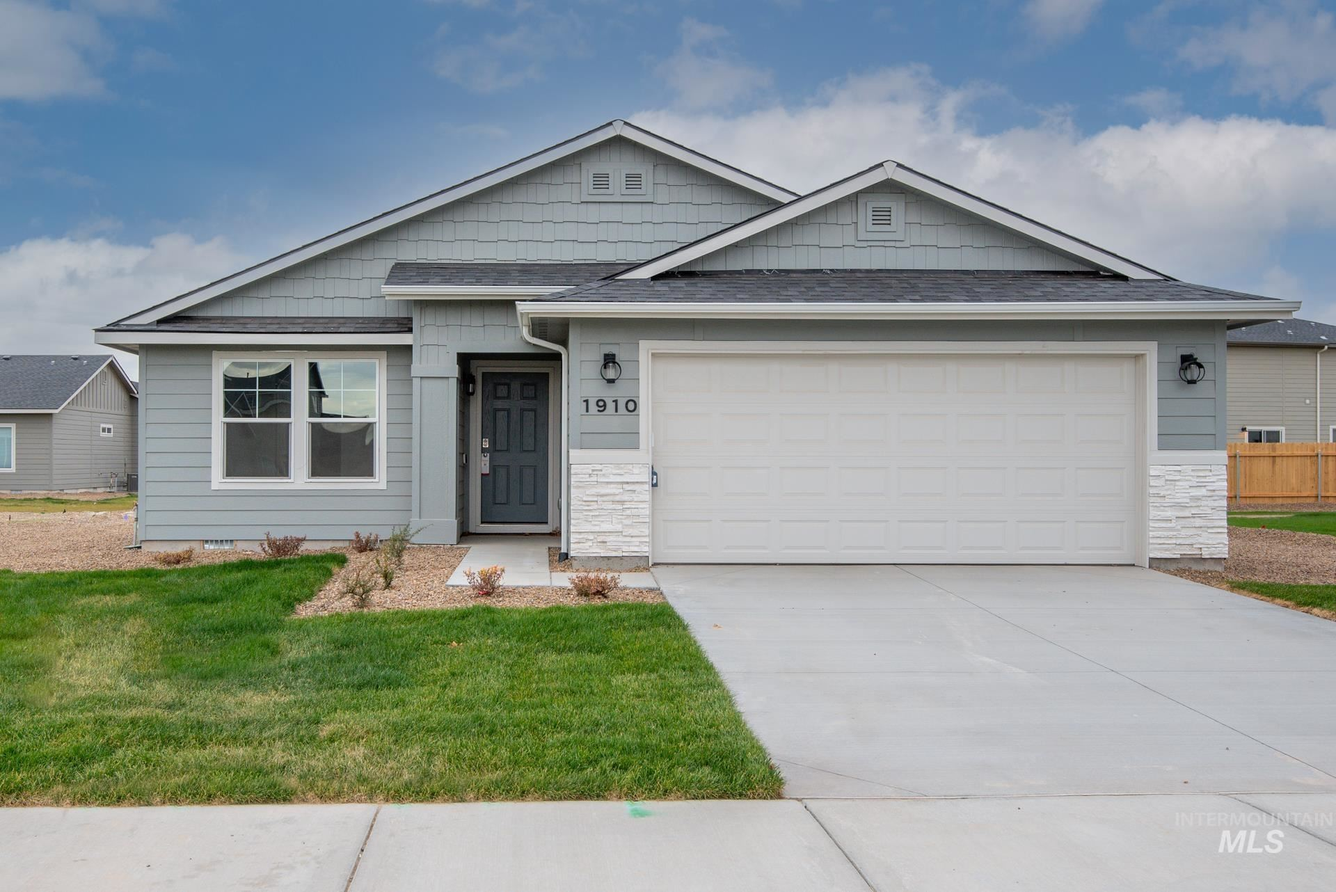 1910 SW Challis Dr, Mountain Home, ID 83647 - MLS#: 98811739