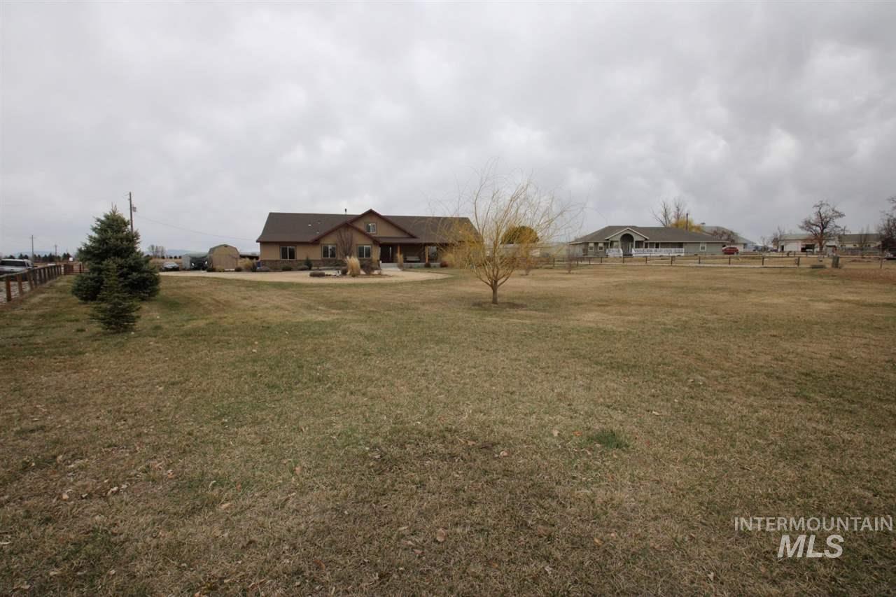 Photo of 7918 S EAGLE, Meridian, ID 83642 (MLS # 98768741)