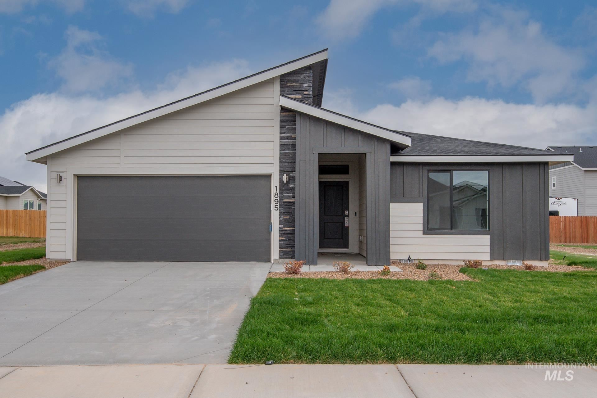 1895 SW Challis Dr #-, Mountain Home, ID 83647 - MLS#: 98811745