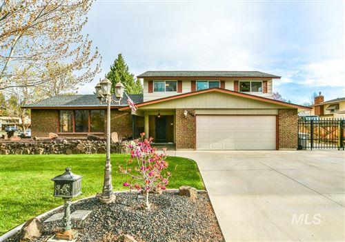 Photo of 7680 W Cherrywood Dr, Boise, ID 83704 (MLS # 98799760)