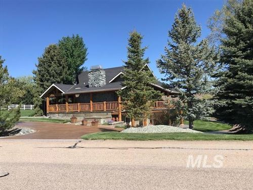 Photo of 10010 W Deep Canyon Dr, Star, ID 83669-5322 (MLS # 98801771)