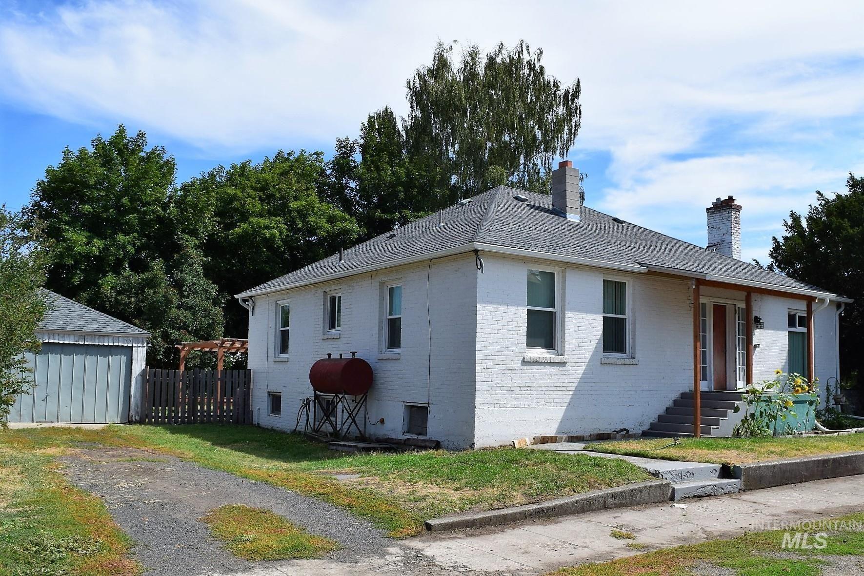 Photo of 709 Oak Street, Nezperce, ID 83543 (MLS # 98816774)