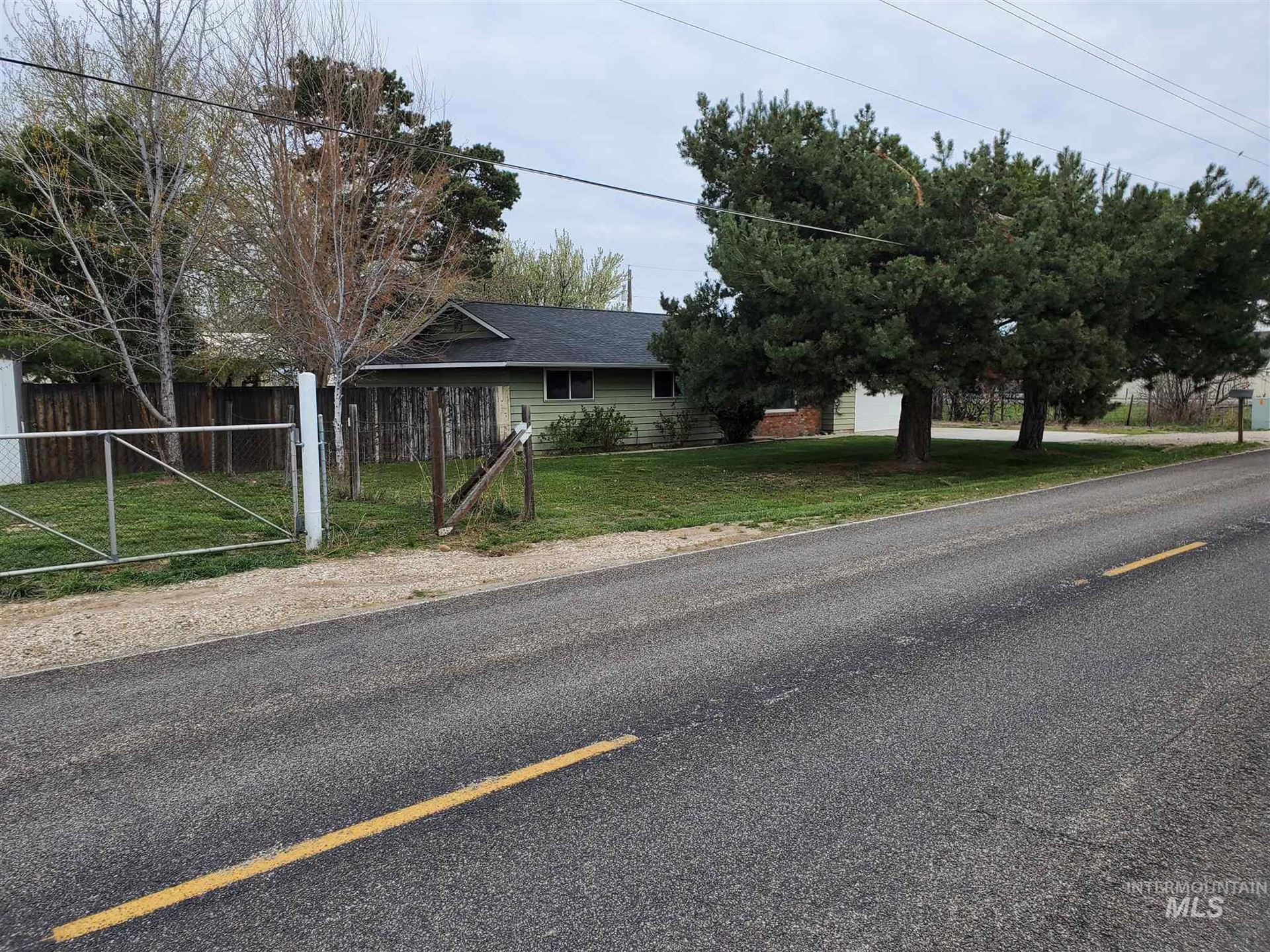 Photo of 865 S Linder, Meridian, ID 83642 (MLS # 98799775)