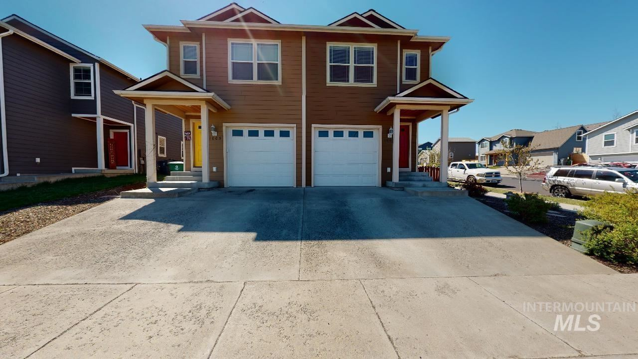 Photo of 1003 Alturas, Moscow, ID 83843 (MLS # 98802775)