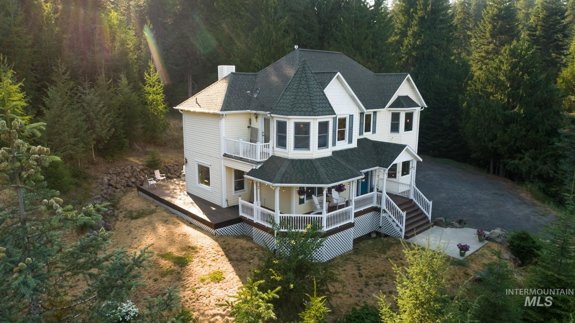 Photo of 1055 Spring Valley Rd, Troy, ID 83871 (MLS # 98813781)