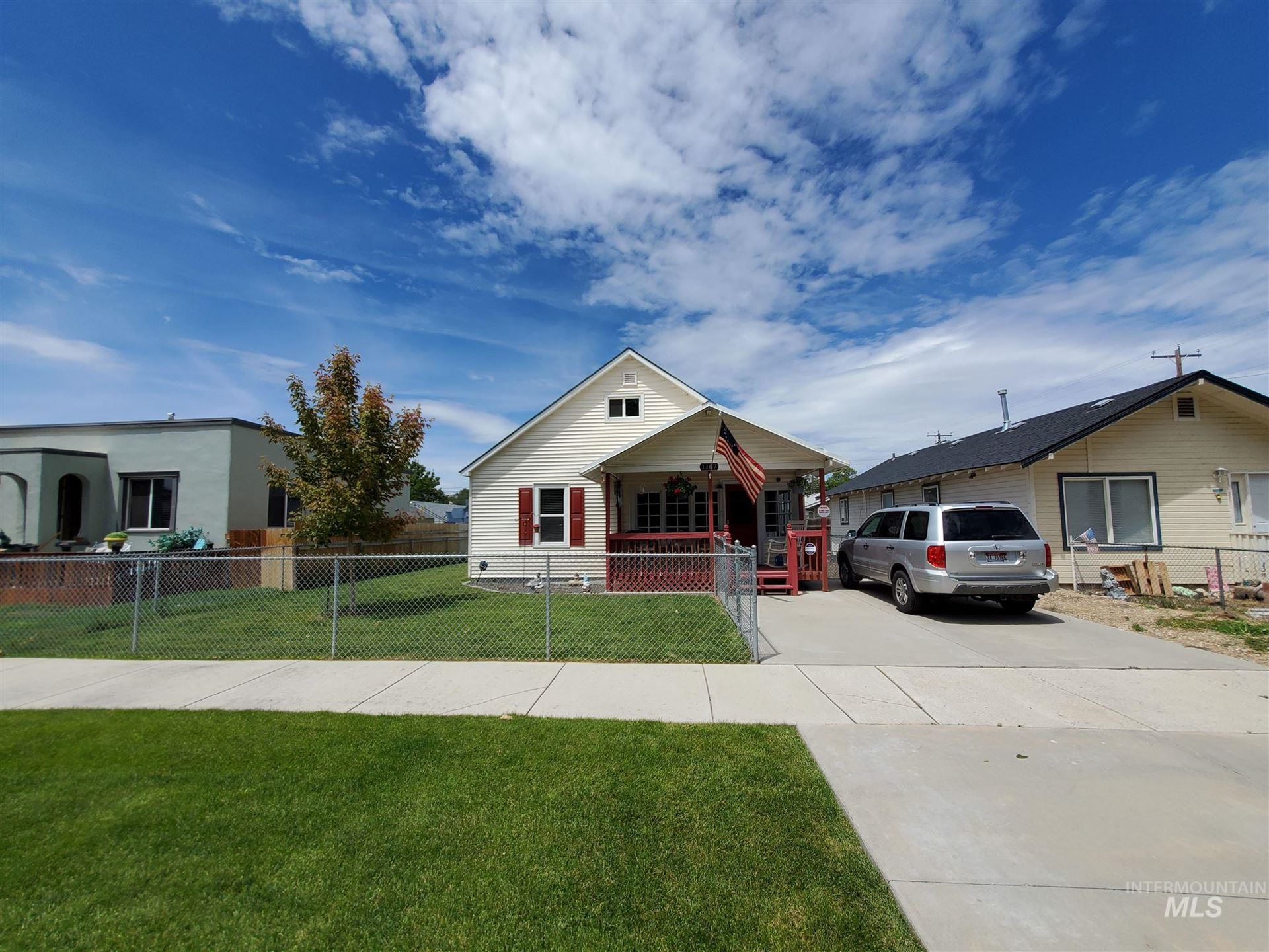 Photo of 1107 13th Ave S, Nampa, ID 83651-4622 (MLS # 98806790)