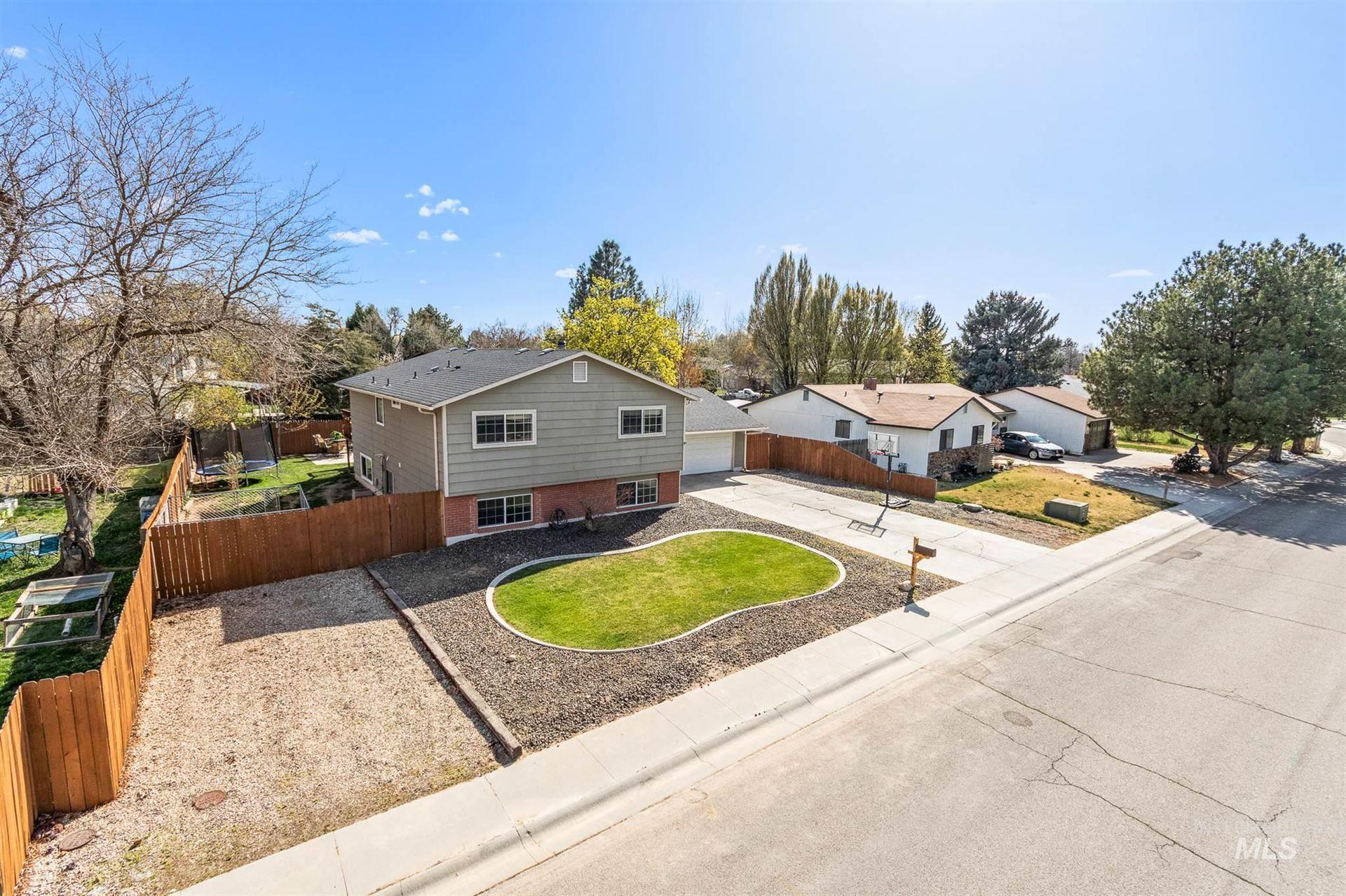 Photo of 3742 N Covered Wagon Way, Boise, ID 83713 (MLS # 98799791)