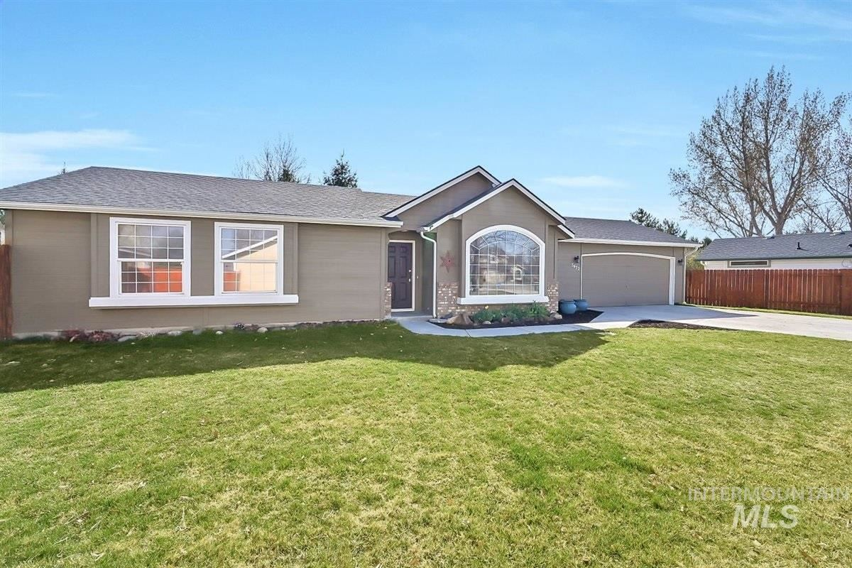 Photo of 5472 S Firethorn Place, Boise, ID 83716 (MLS # 98798795)
