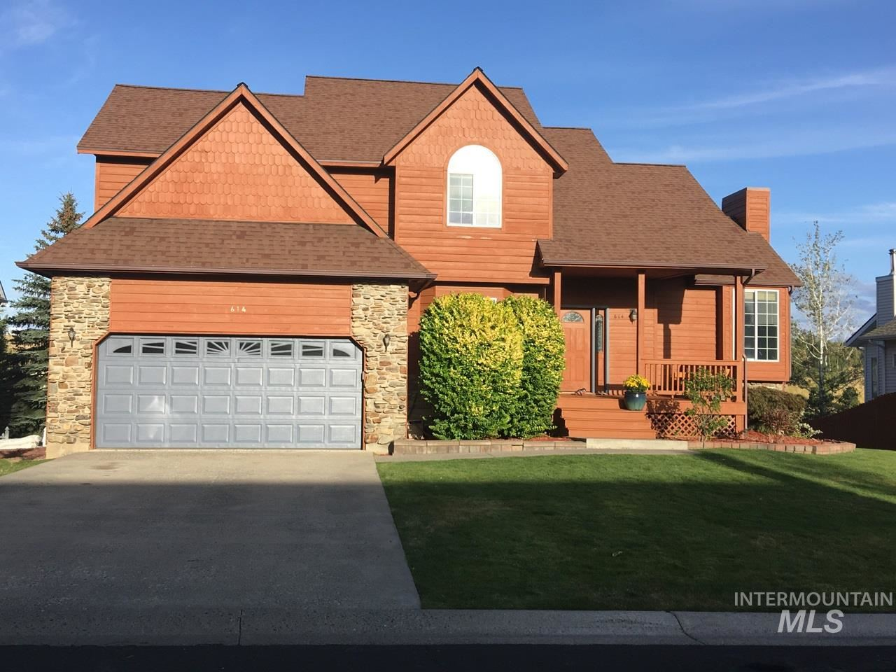 Photo of 614 Panorama, Moscow, ID 83843 (MLS # 98782800)