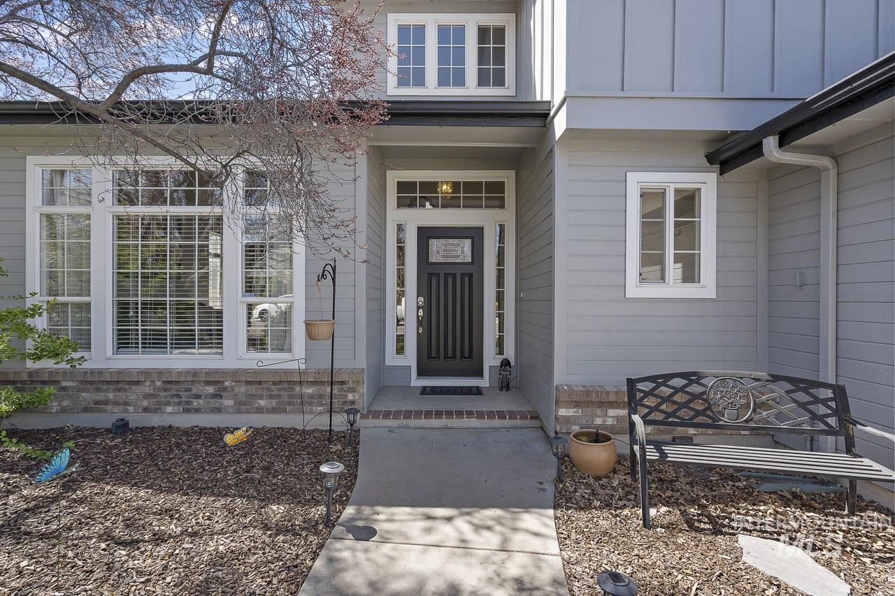 Photo of 489 S Winthrop Way, Boise, ID 83709 (MLS # 98798802)