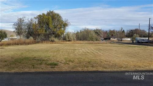 Photo of TBD W Salmon St, Hagerman, ID 83332 (MLS # 98748807)