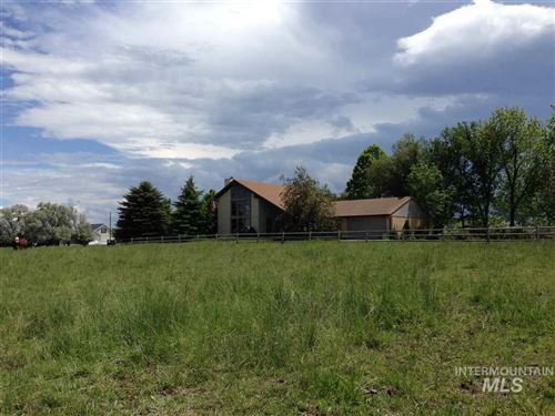 Photo of 2555 E 3700 N, Twin Falls, ID 83301 (MLS # 98757808)