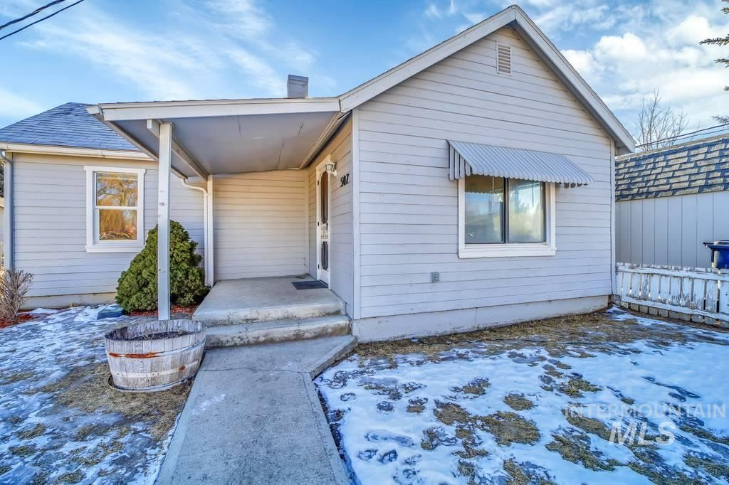 Photo of 507 S Beverly Street, Shoshone, ID 83352 (MLS # 98794824)