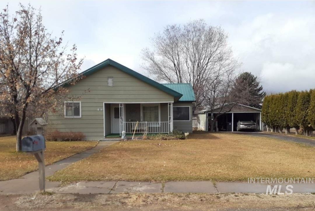 Photo of 206 S Lenz Ave, Hazelton, ID 83335 (MLS # 98797824)
