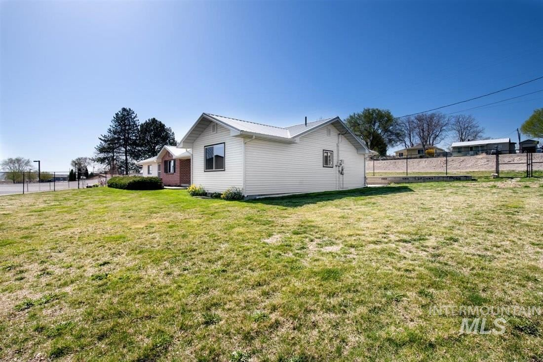 Photo of 215 4TH AVE W, Marsing, ID 83639 (MLS # 98798827)