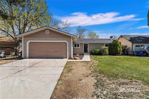 Photo of 2702 N Reno Way, Boise, ID 83704 (MLS # 98799836)
