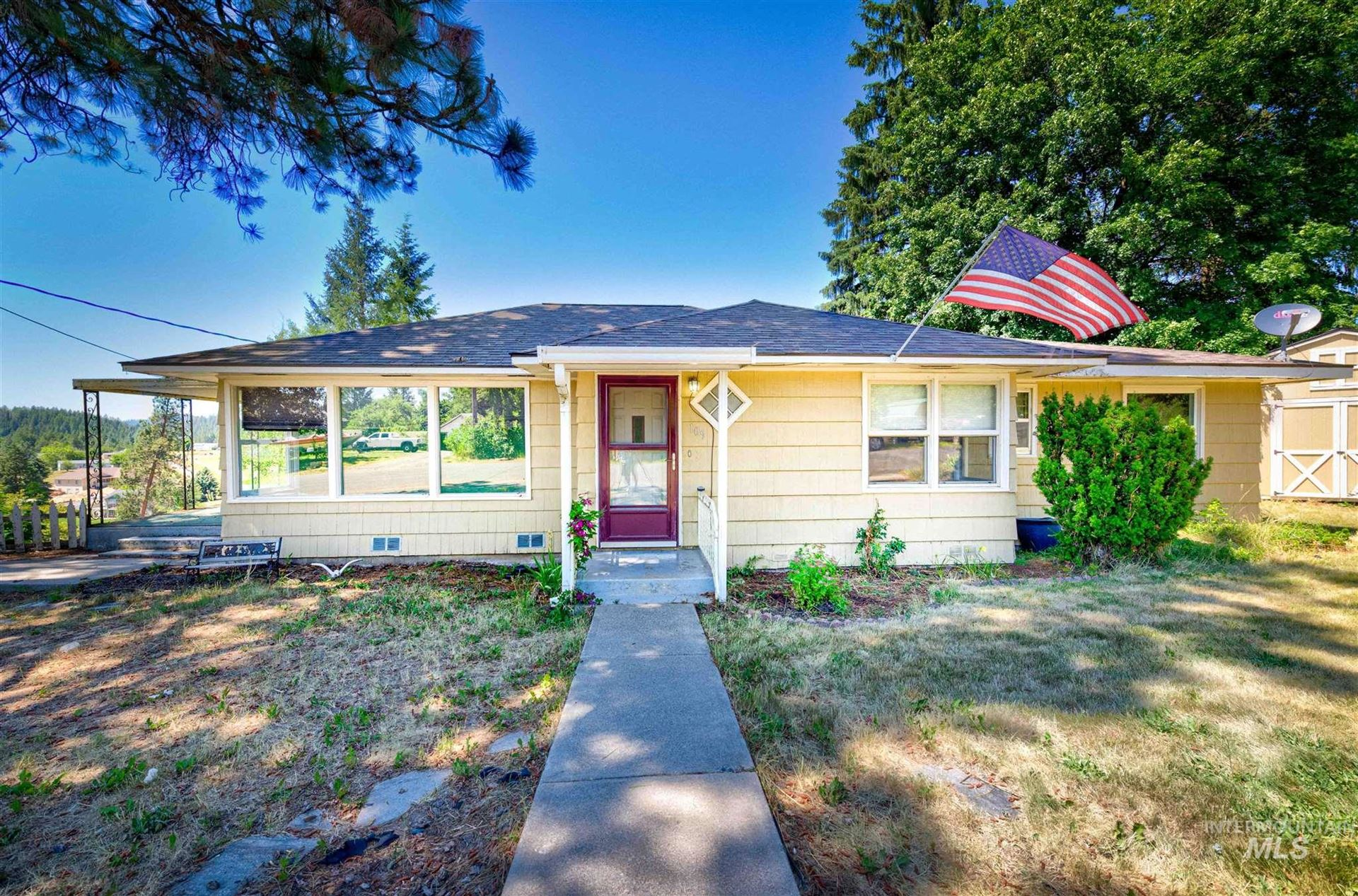 Photo of 109 E A, Troy, ID 83871 (MLS # 98809838)