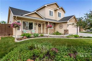 Photo of 817 S Whitewater Dr, Nampa, ID 83686 (MLS # 98728847)